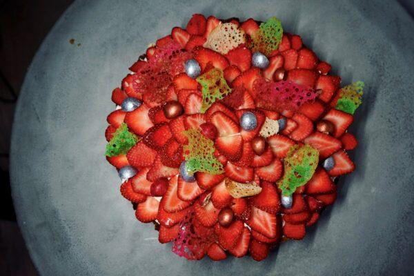 Sundere sukkerfri og proteinrig jordbærtærte