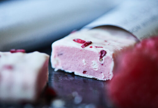 MUST Essentials Beauty Collagen Bar m. Verisol® – Hvid chokolade/hindbær (abonnement 24 stk.)