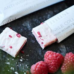 MUST Essentials Beauty Collagen Bar m. Verisol® - Hvid chokolade/hindbær (35 g, 24 stk.)
